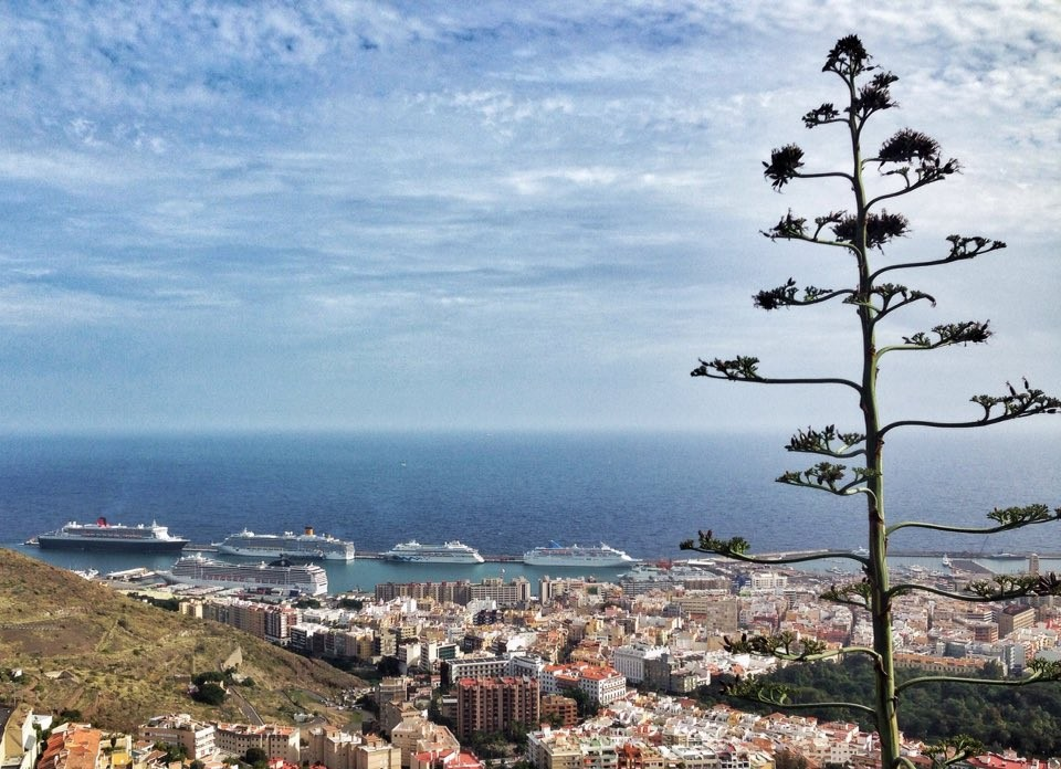 Вид на город и порт Санта-Крус-де-Тенерифе