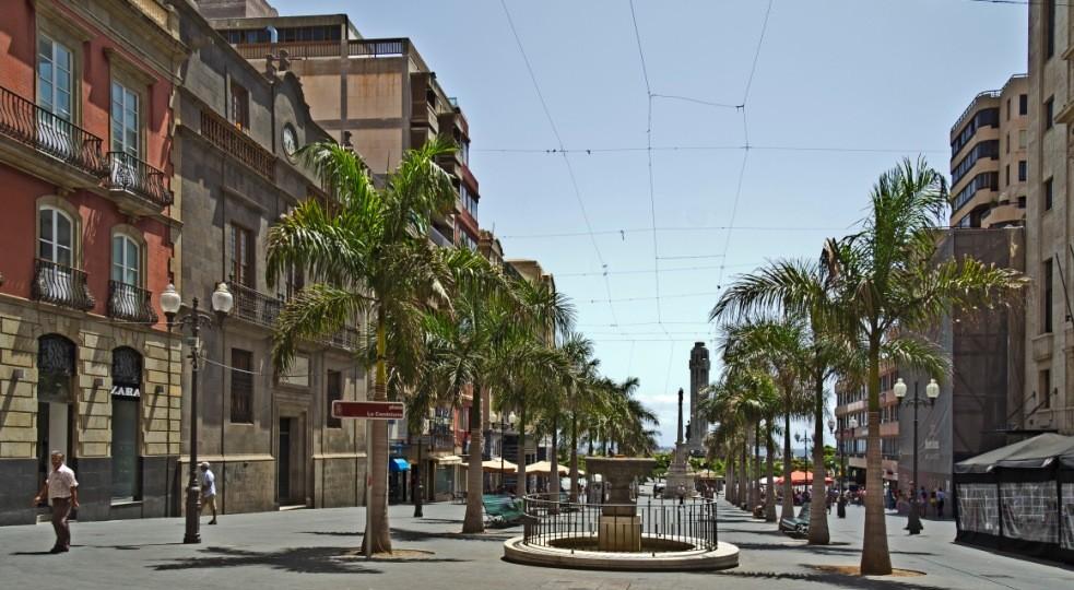 Площадь Канделарии в Санта-Крус-де-Тенерифе