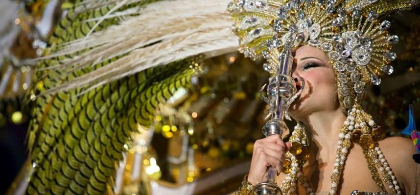 Сесилия Наварро Артеага, королева карнавала в Санта-Крус-де-Тенерифе