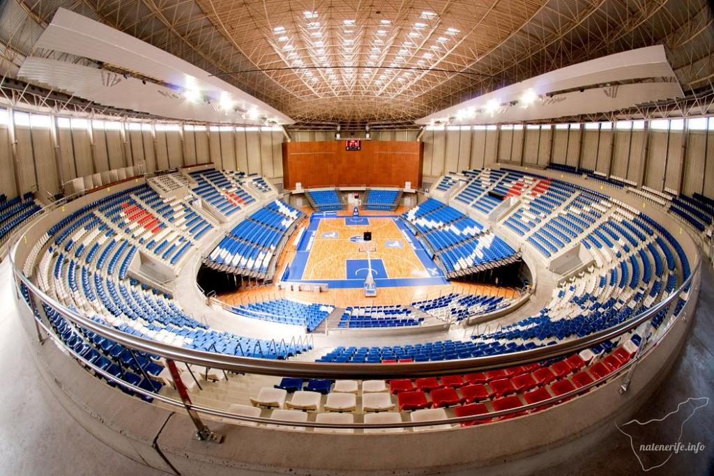 Pabellón de Deportes Santiago Martín (Спортивный павильон Сантьяго Мартин)