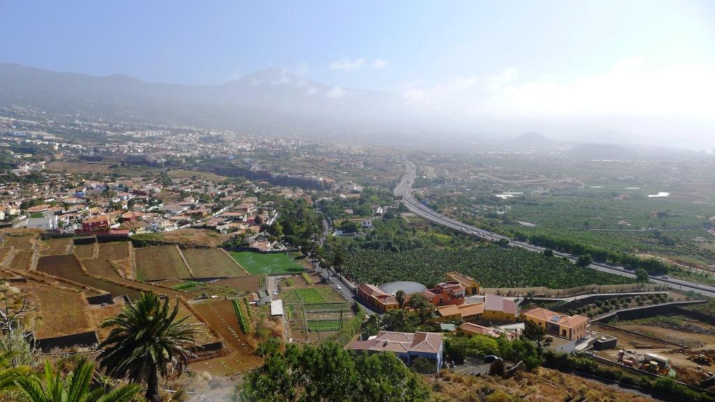 Вид на долину Ла-Оротава и вулкан Тейде со смотровой площадки Гумбольдта