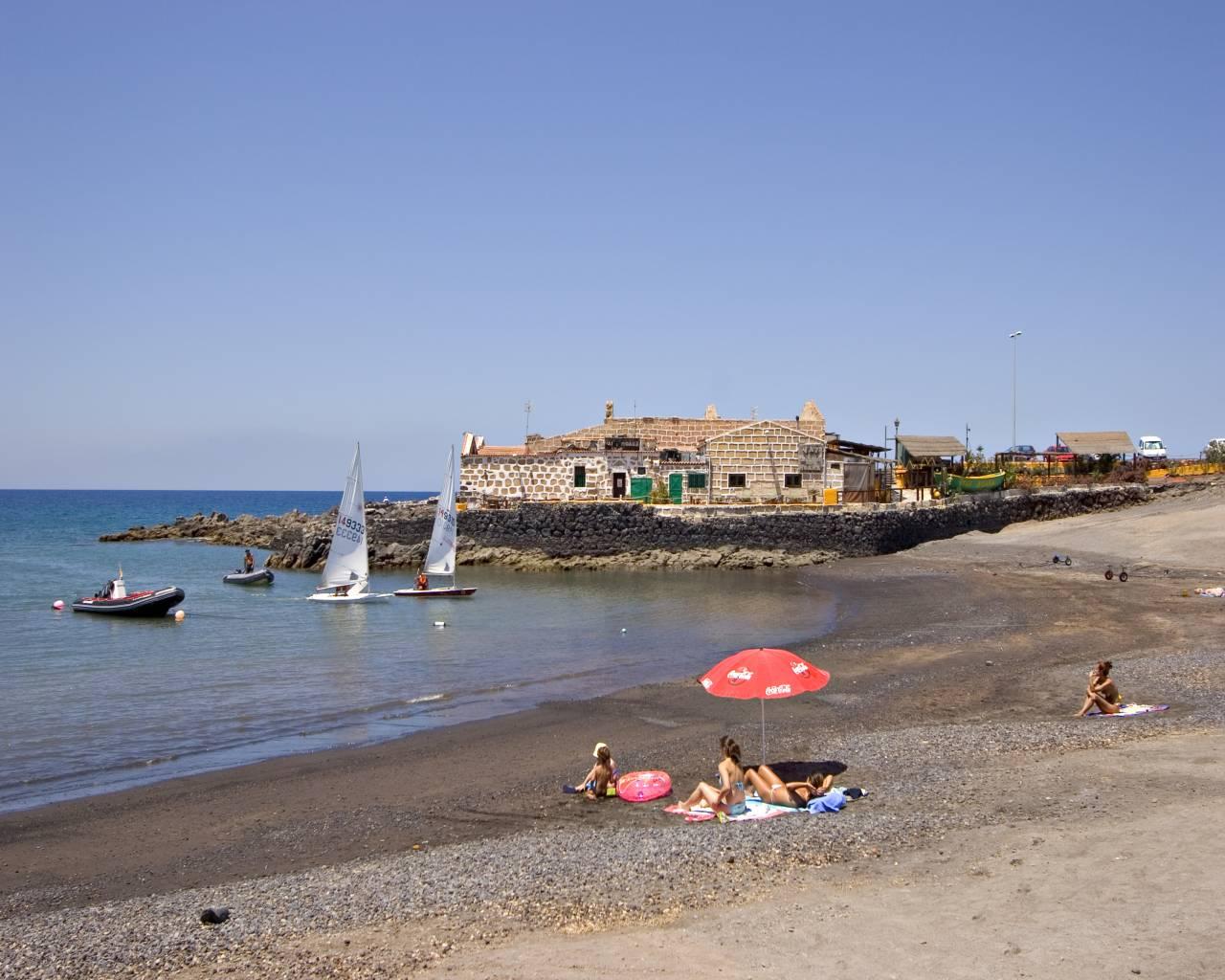 Плайя-де-Лас-Гальетас (Playa de Las Galletas)
