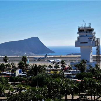 Aeropuerto de Tenerife Sur Reina Sofia (Южный аэропорт Тенерифе имени королевы Софии)